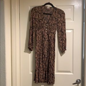 Aritzia Wilfred long sleeve leopard midi dress S